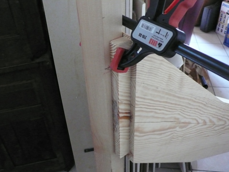 Escalier provisoire devenu définitif en pin sylvestre, à double balancements - Page 3 Image32