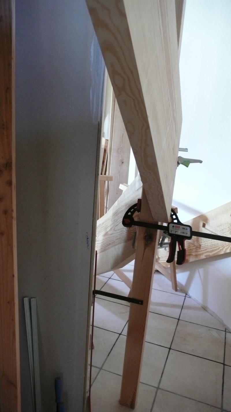 Escalier provisoire devenu définitif en pin sylvestre, à double balancements - Page 3 Image36