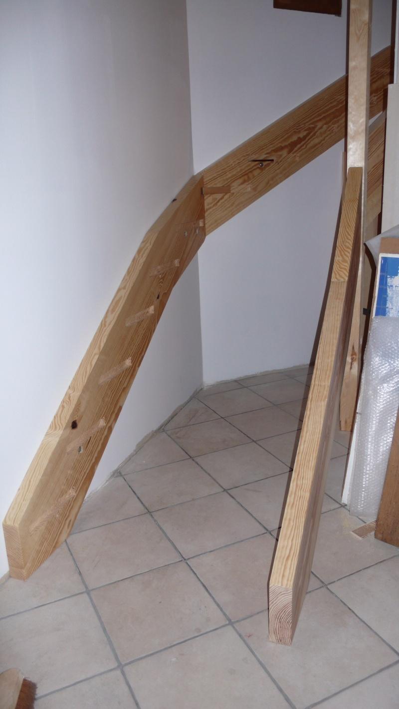 Escalier provisoire devenu définitif en pin sylvestre, à double balancements - Page 3 Image49