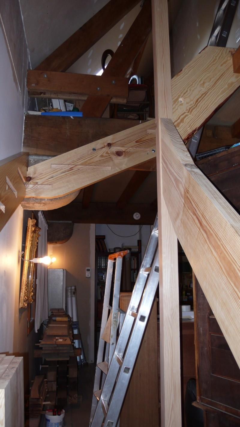 Escalier provisoire devenu définitif en pin sylvestre, à double balancements - Page 3 Image50