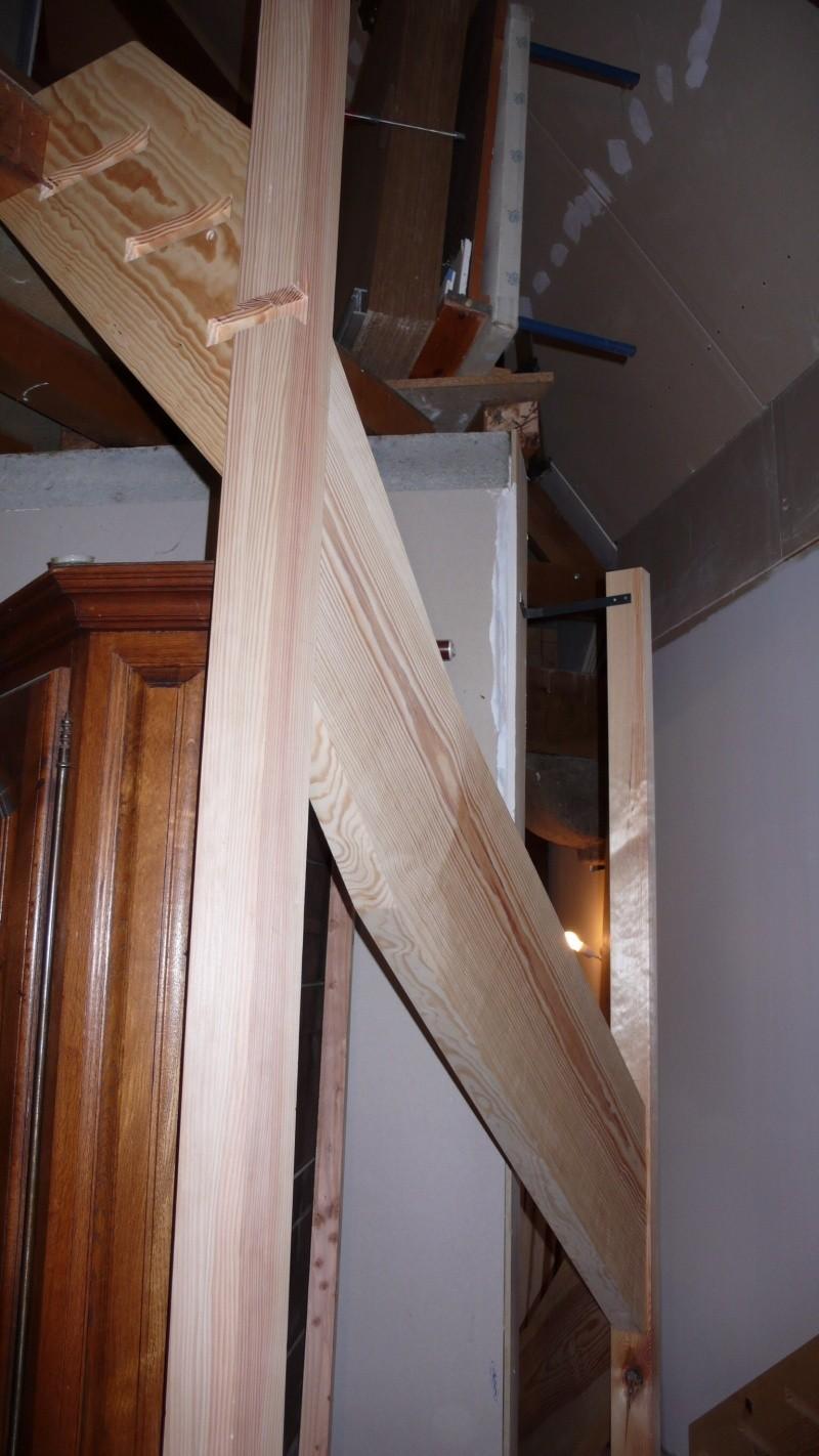 Escalier provisoire devenu définitif en pin sylvestre, à double balancements - Page 3 Image54