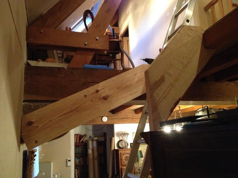 Escalier provisoire devenu définitif en pin sylvestre, à double balancements Img_0813
