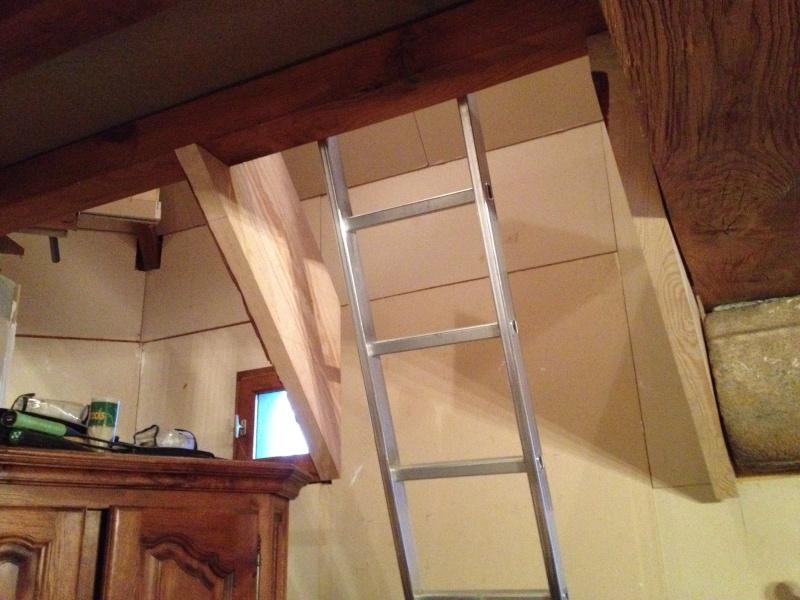 Escalier provisoire devenu définitif en pin sylvestre, à double balancements Img_0814
