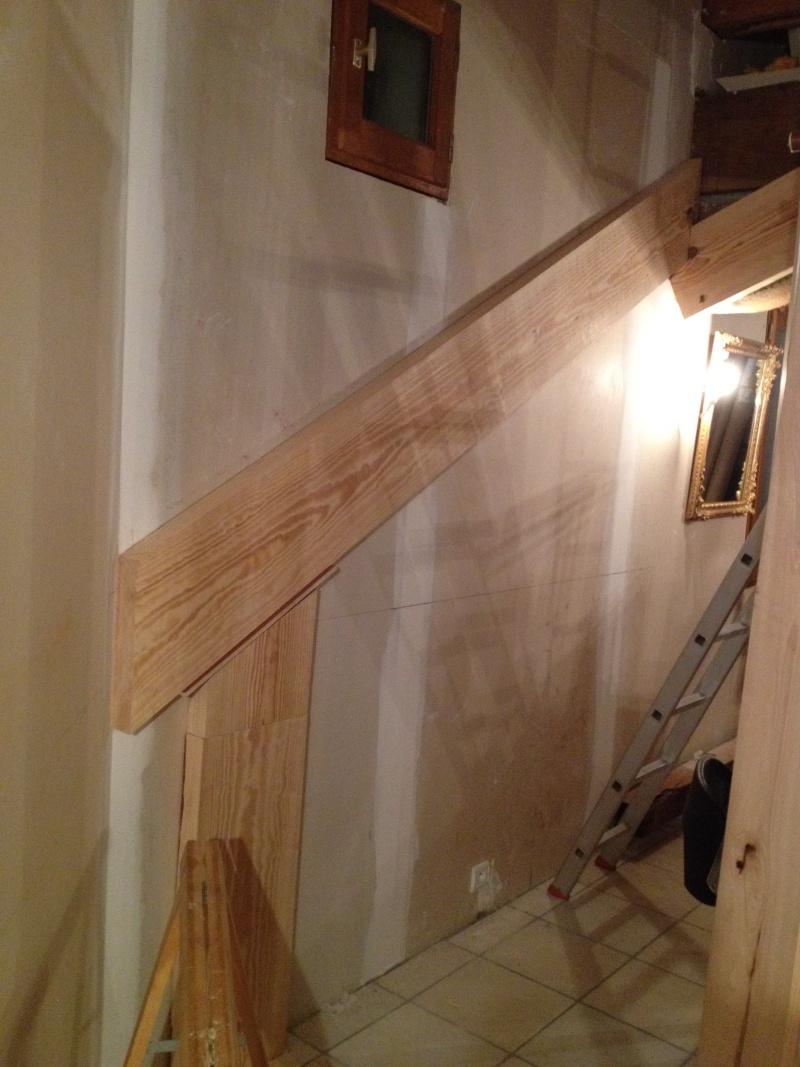 Escalier provisoire devenu définitif en pin sylvestre, à double balancements Img_0817
