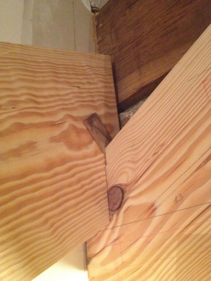 Escalier provisoire devenu définitif en pin sylvestre, à double balancements Img_0818