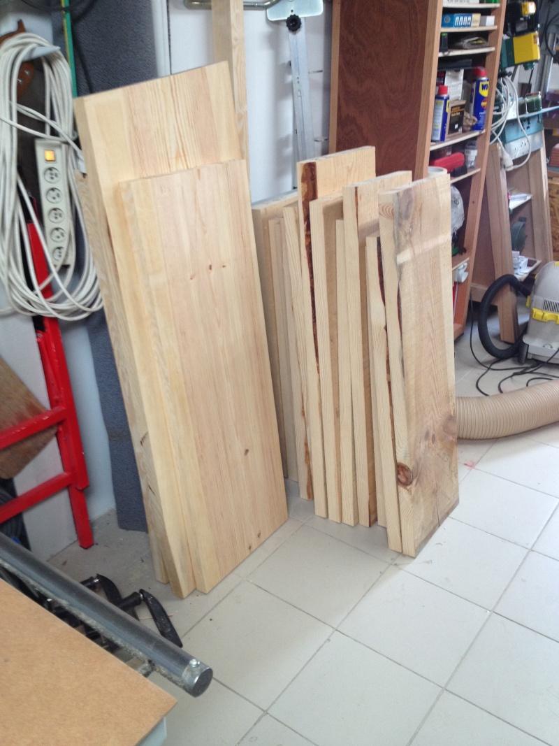 Escalier provisoire devenu définitif en pin sylvestre, à double balancements - Page 2 Img_0831