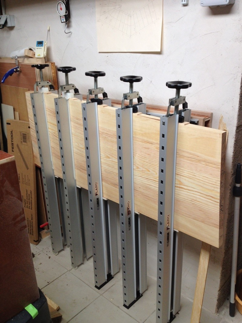Escalier provisoire devenu définitif en pin sylvestre, à double balancements - Page 2 Img_0834