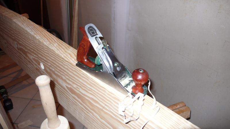 Escalier provisoire devenu définitif en pin sylvestre, à double balancements L1040517