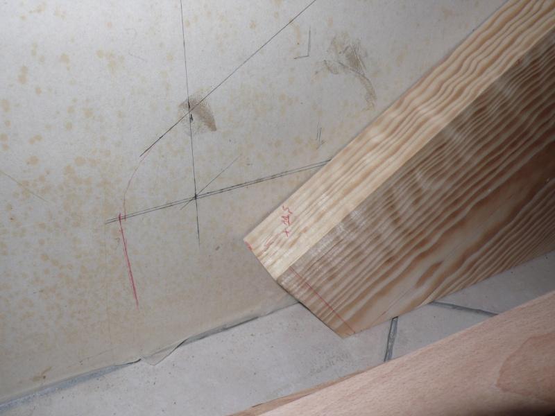 Escalier provisoire devenu définitif en pin sylvestre, à double balancements L1040519