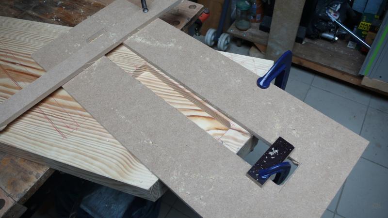 Escalier provisoire devenu définitif en pin sylvestre, à double balancements - Page 2 L1040529