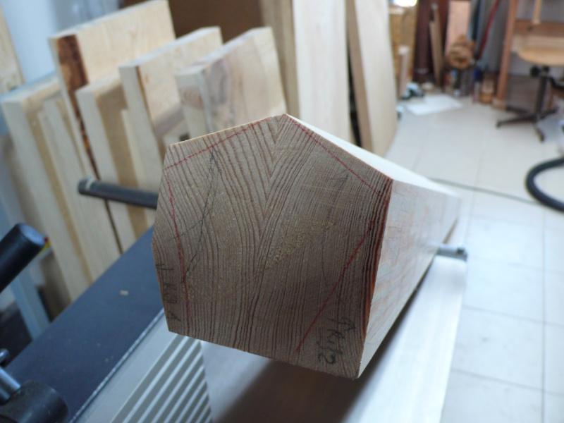 Escalier provisoire devenu définitif en pin sylvestre, à double balancements - Page 2 L1040537