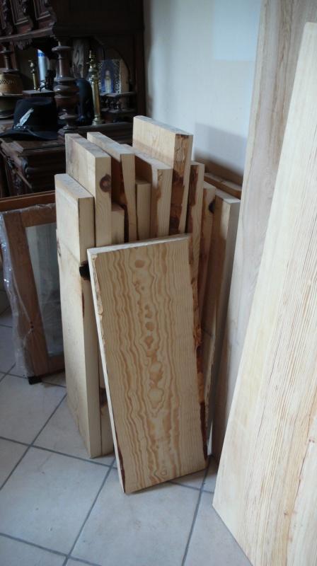 Escalier provisoire devenu définitif en pin sylvestre, à double balancements - Page 2 L1040621