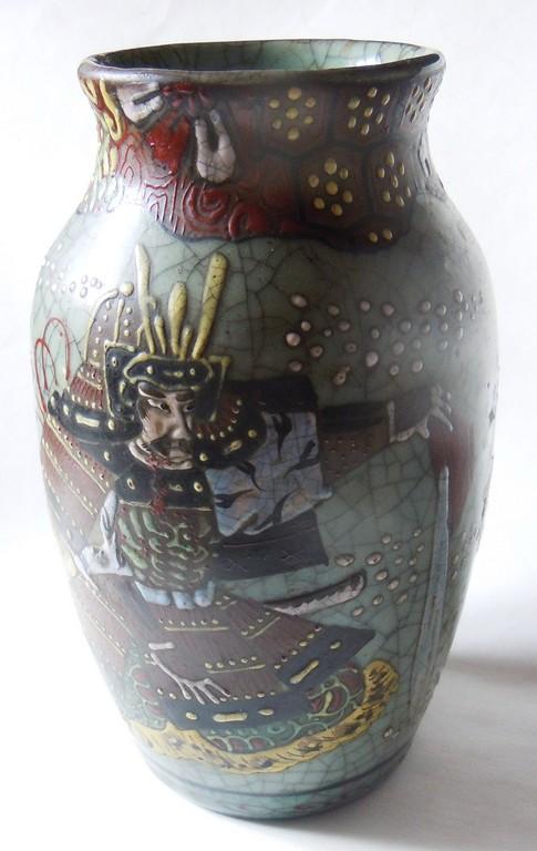 Japanese Pottery Celadon Crackle Glaze (Séto?) Samurai two actors? Dscn9910