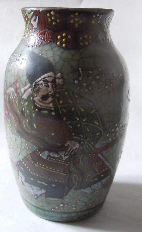 Japanese Pottery Celadon Crackle Glaze (Séto?) Samurai two actors? Dscn9911