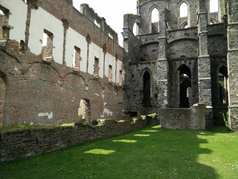 Balade dans l'Abbaye de Villers-La-Ville  Img_2034