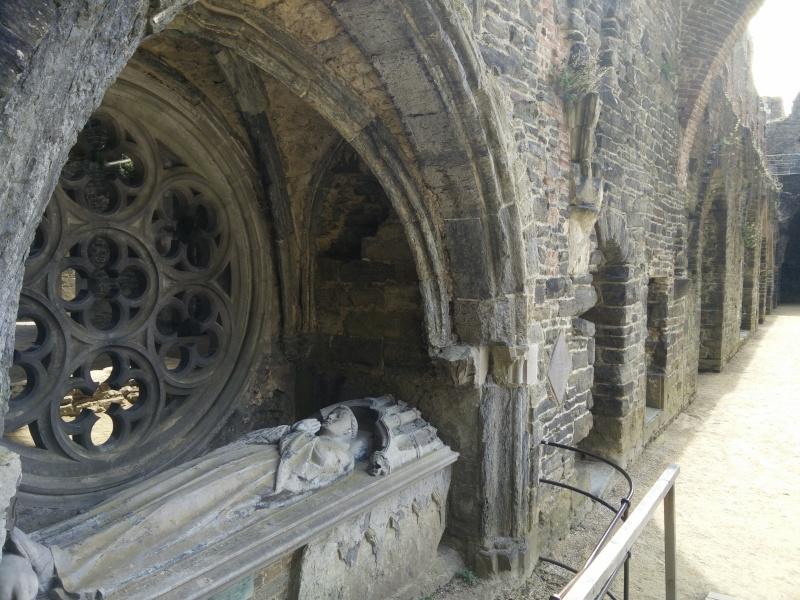 Balade dans l'Abbaye de Villers-La-Ville  Img_2040