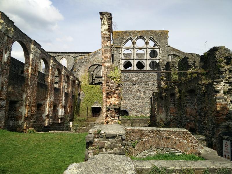 Balade dans l'Abbaye de Villers-La-Ville  Img_2042