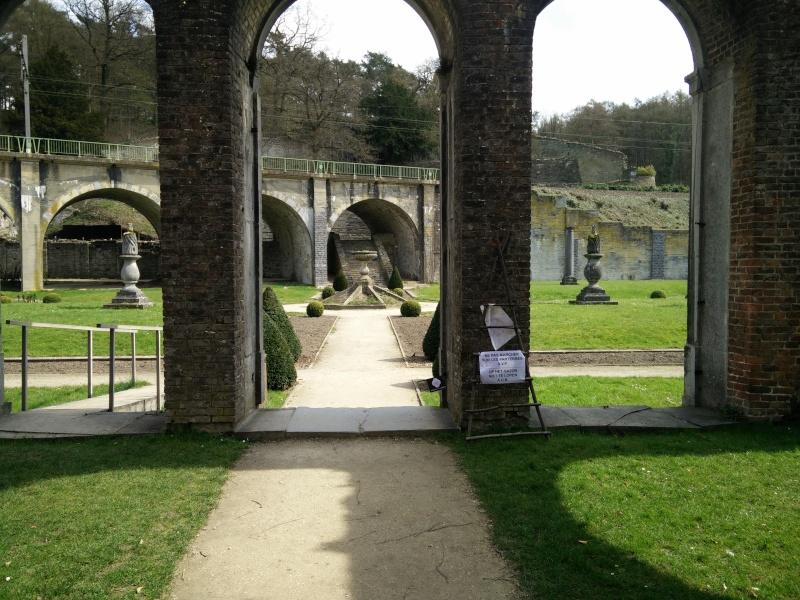 Balade dans l'Abbaye de Villers-La-Ville  Img_2047