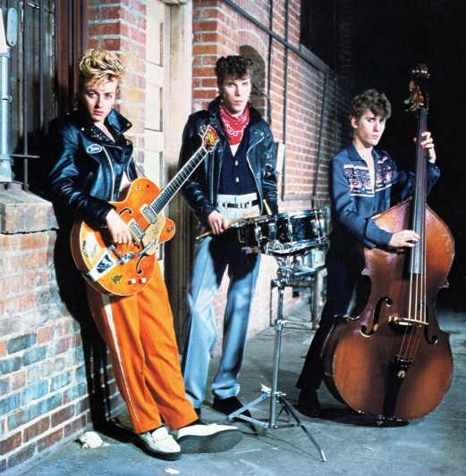 STRAY CATS Articl10