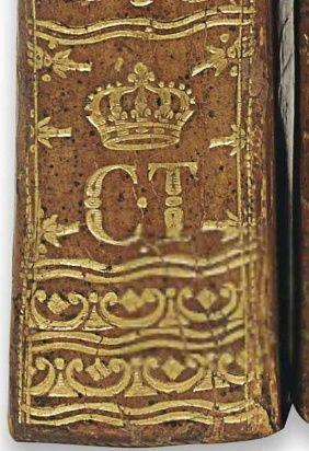 Les livres de la bibliothèque de Marie-Antoinette au Petit Trianon Armes_10