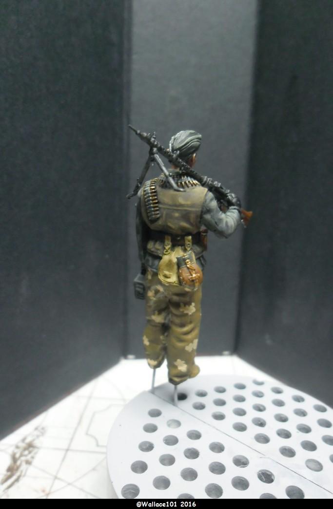 MG34 gunner Darius Minatures 1/35 terminé ! - Page 3 Camo0110