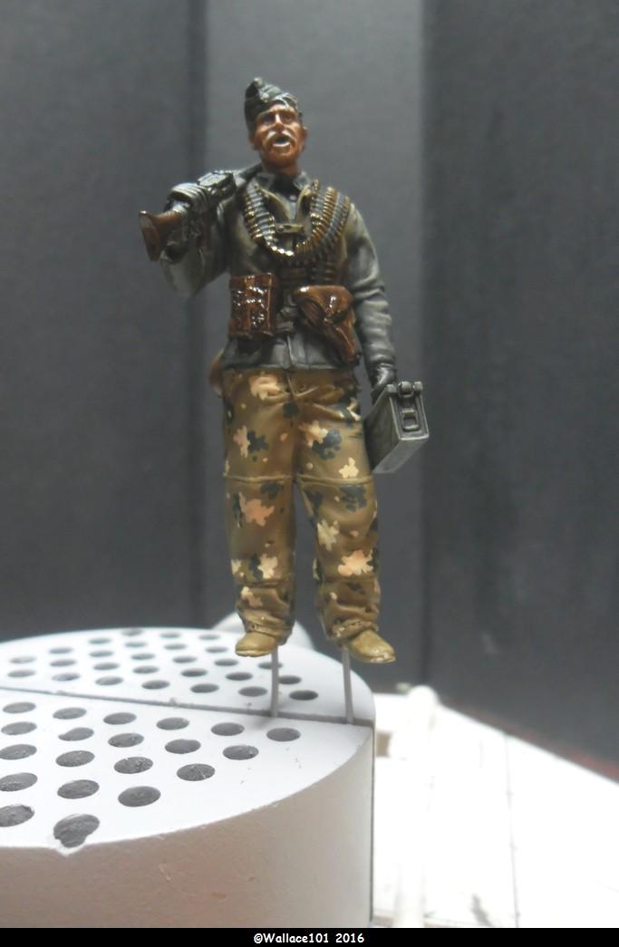 MG34 gunner Darius Minatures 1/35 terminé ! - Page 3 Camo0210