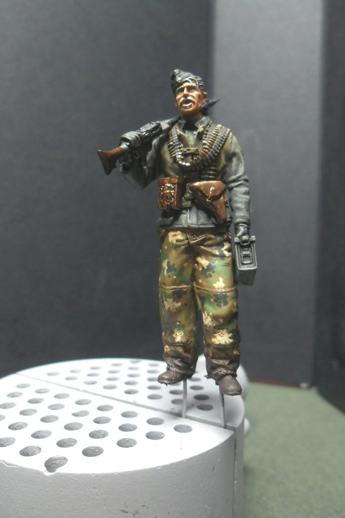 MG34 gunner Darius Minatures 1/35 terminé ! - Page 3 Camo_f10