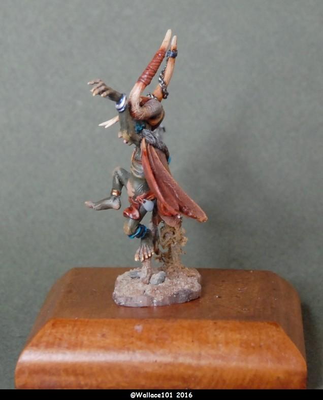 Gozbog: chaman gobelin  Andréa Miniatures 54mm  (Acryliques) Socle de présentation Dsc_0063