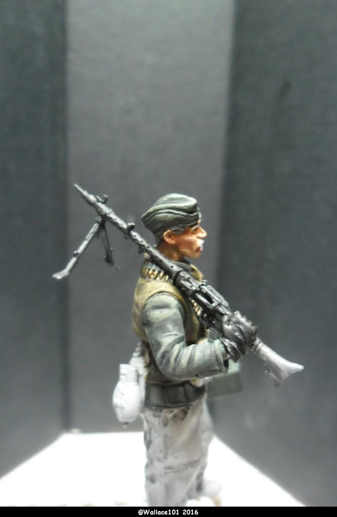 MG34 gunner Darius Minatures 1/35 terminé ! - Page 2 Mg34_011