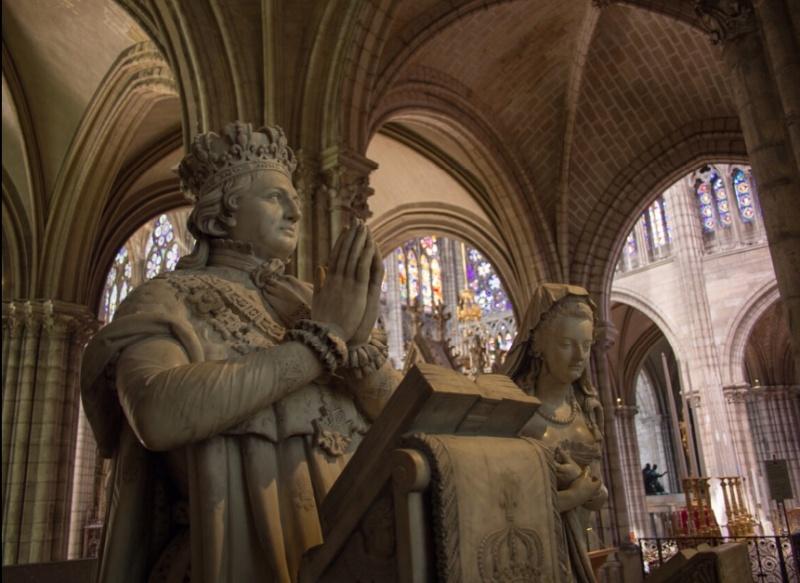 la basilique Saint Denis - Page 8 Ztoor15