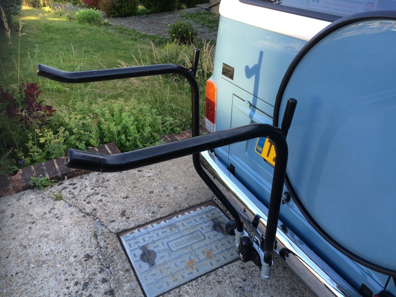 rack - Towbar bike rack with spare wheel clearance Img_1910