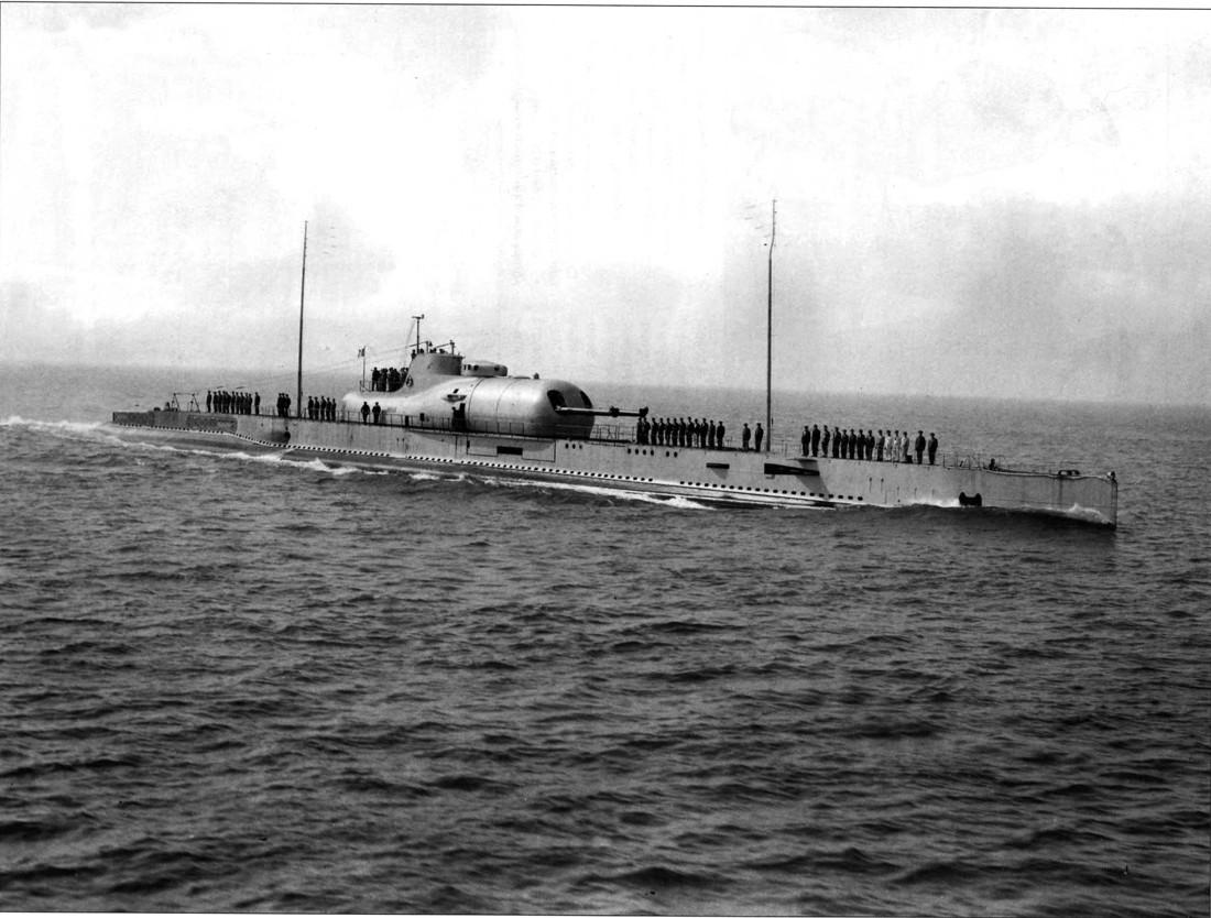 Croiseur sous marin SURCOUF Réf 81014 Surcou39