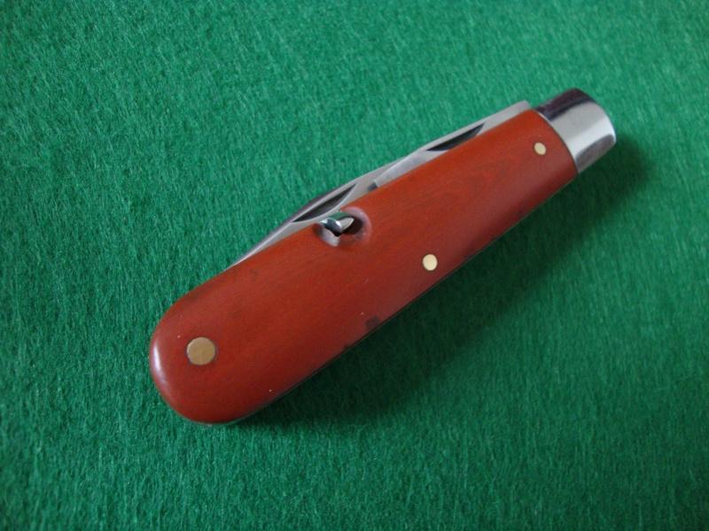 Le premier Couteau Soldat de Suisse inoxydable? Dsc05313