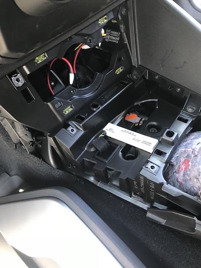 Installation de l'option Qi-Charger  sur Accoudoir  1,6L Sydmeko de 2stair Img34917