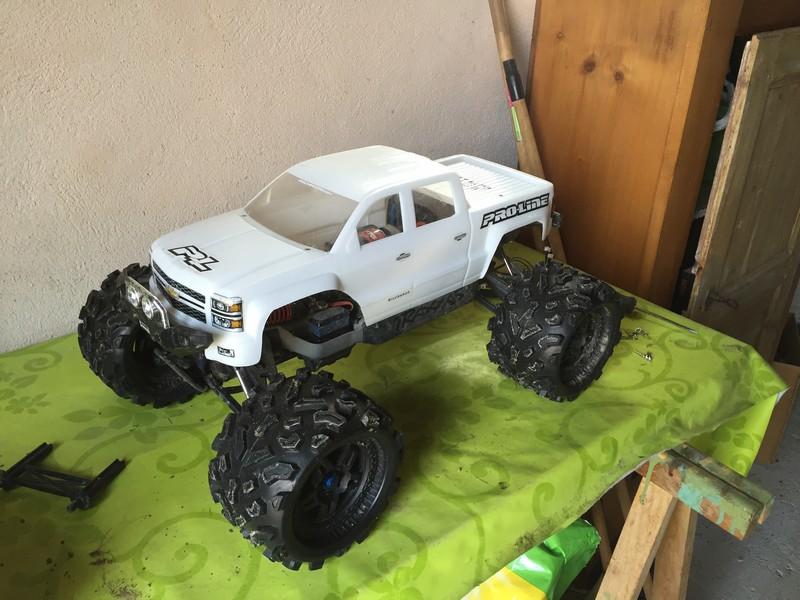Mon nouveau jouet : Traxxas Summit 1/8 - réglé et prêt à rouler - Page 9 Summit10