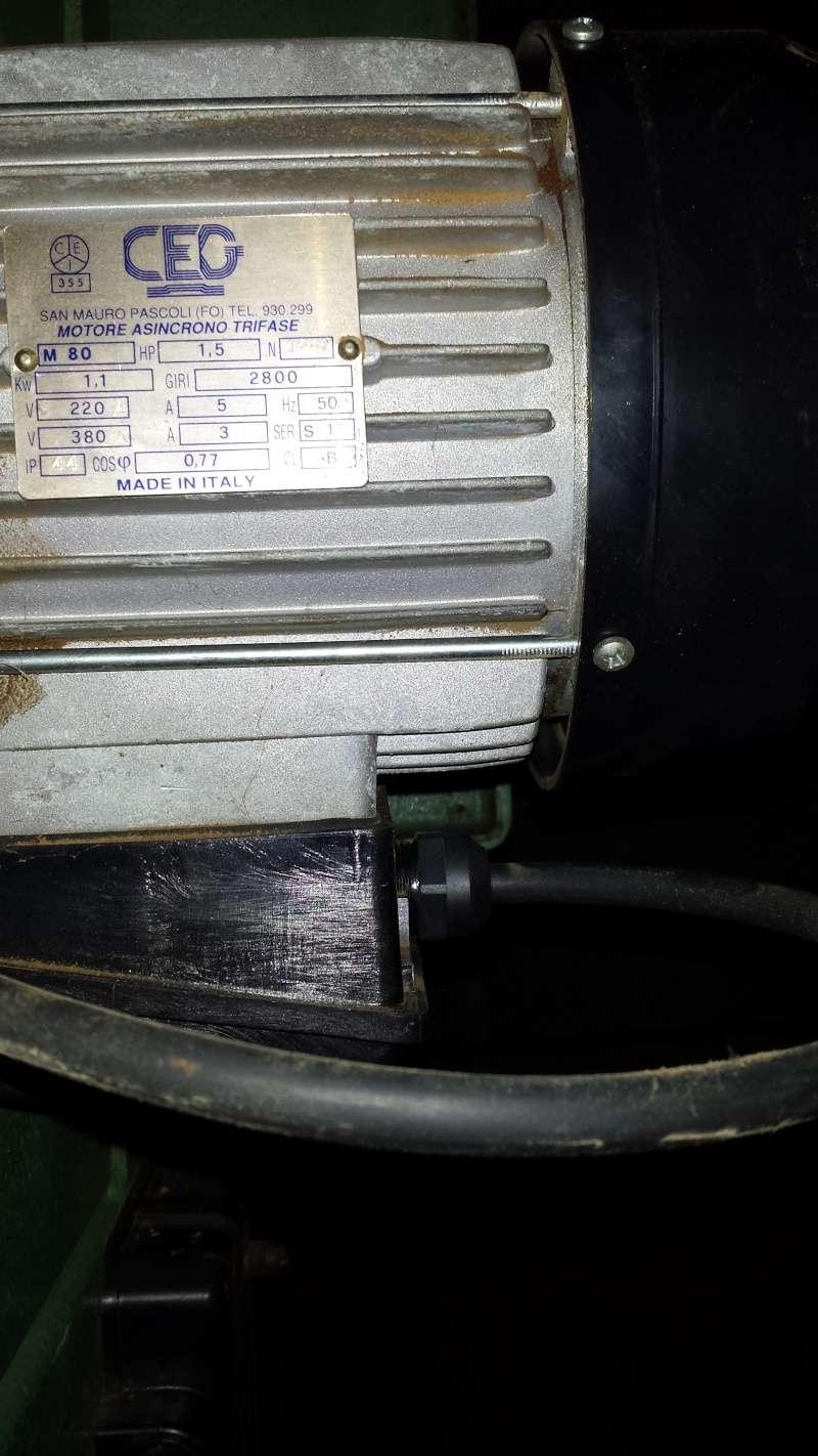Changement de moteur scie a ruban centauro SP 400 Scie_a11