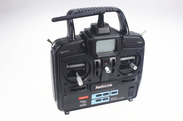 Les Radiocommandes. F0054110