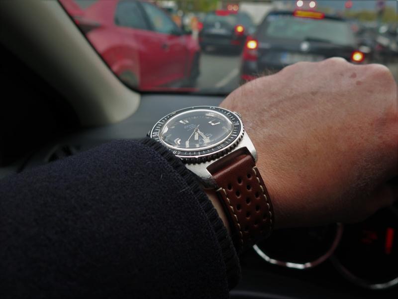 La montre du vendredi, le TGIF watch! - Page 20 Friday11