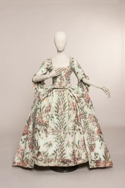 """Fashion Forward"" aux Arts Décoratifs Robe-a10"