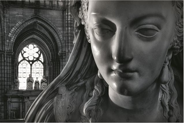 la basilique Saint Denis - Page 8 Zmac222