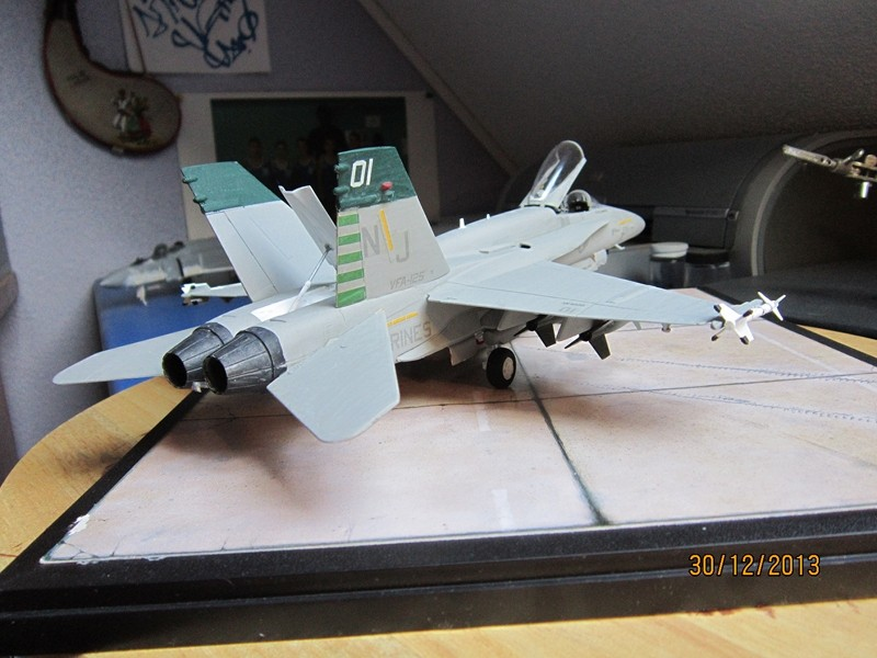 A-18 strike fighter 1/48  Img_1910