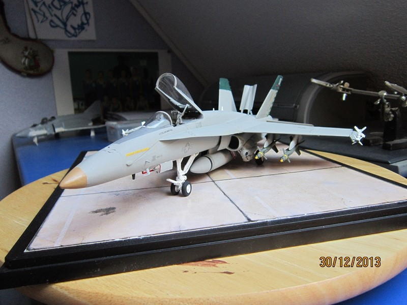 A-18 strike fighter 1/48  Img_1911