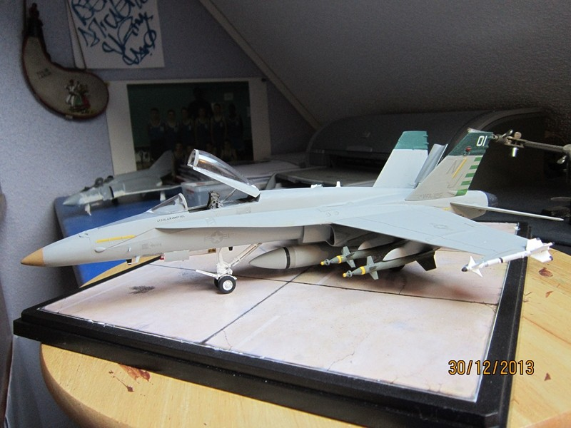 A-18 strike fighter 1/48  Img_1912