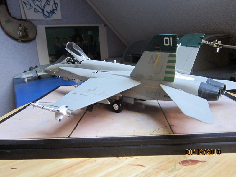 A-18 strike fighter 1/48  Img_1913