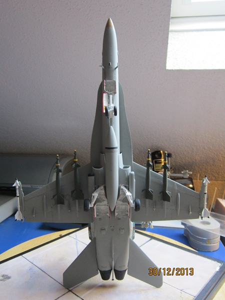 A-18 strike fighter 1/48  Img_1915