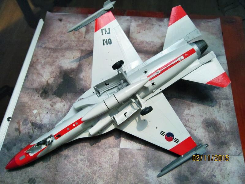 ROKAF T-50  [1/48° d'Academy] Img_3812