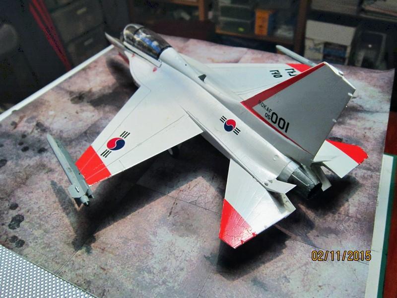 ROKAF T-50  [1/48° d'Academy] Img_3813