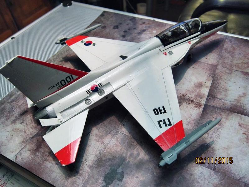 ROKAF T-50  [1/48° d'Academy] Img_3815