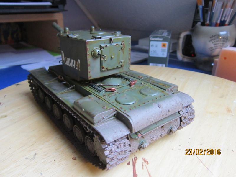 Russian Heavy Tank KV-2  [1/35° de ZVEZDA] Img_4119