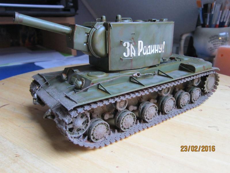 Russian Heavy Tank KV-2  [1/35° de ZVEZDA] Img_4121
